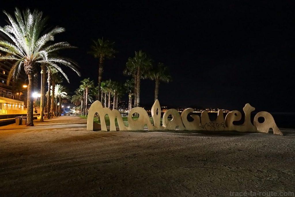 Plaça de la Malagueta, plage de Malaga de nuit