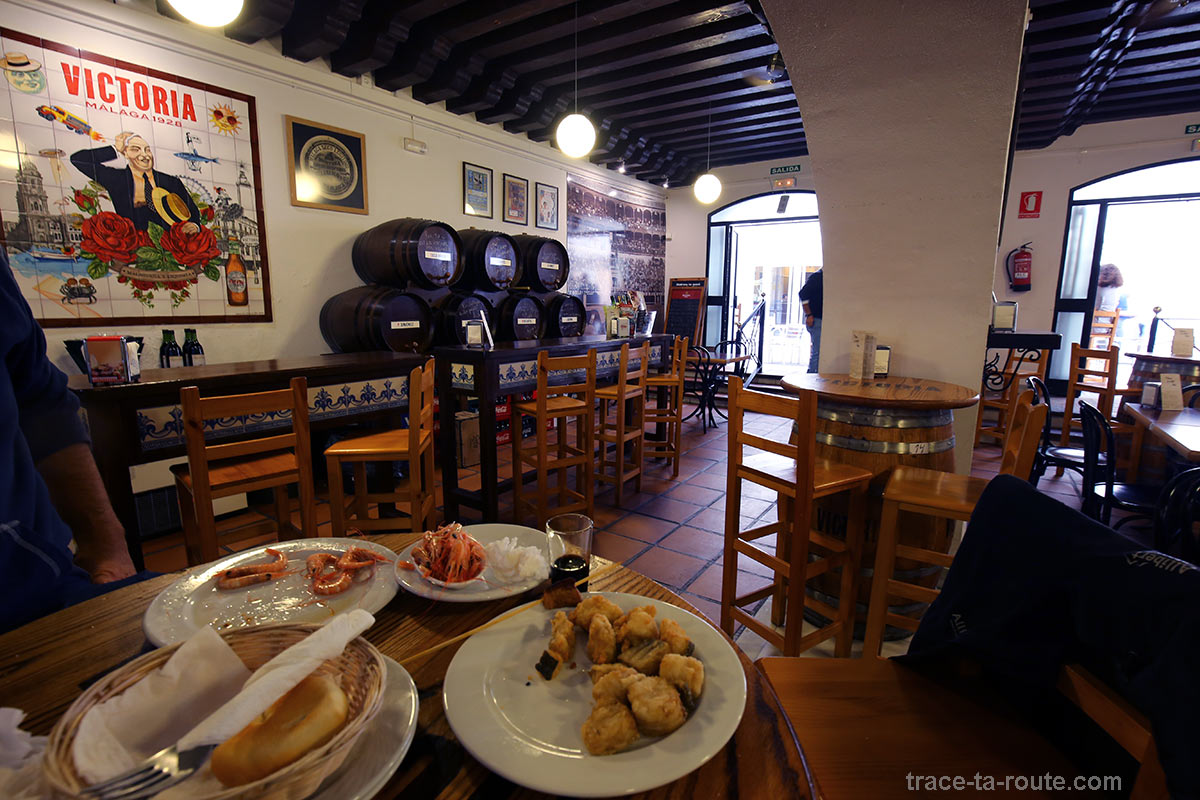 Tapas à la Taberna La Antigua, Malaga