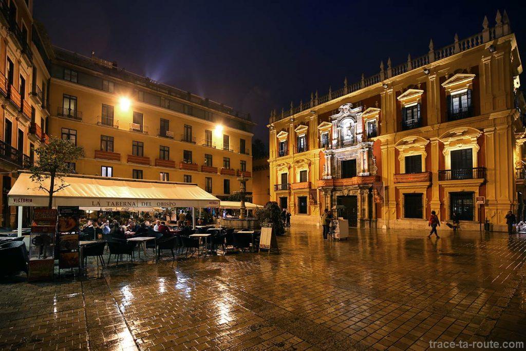 Plaza del Obispo de nuit et Palace Episcopal, Malaga