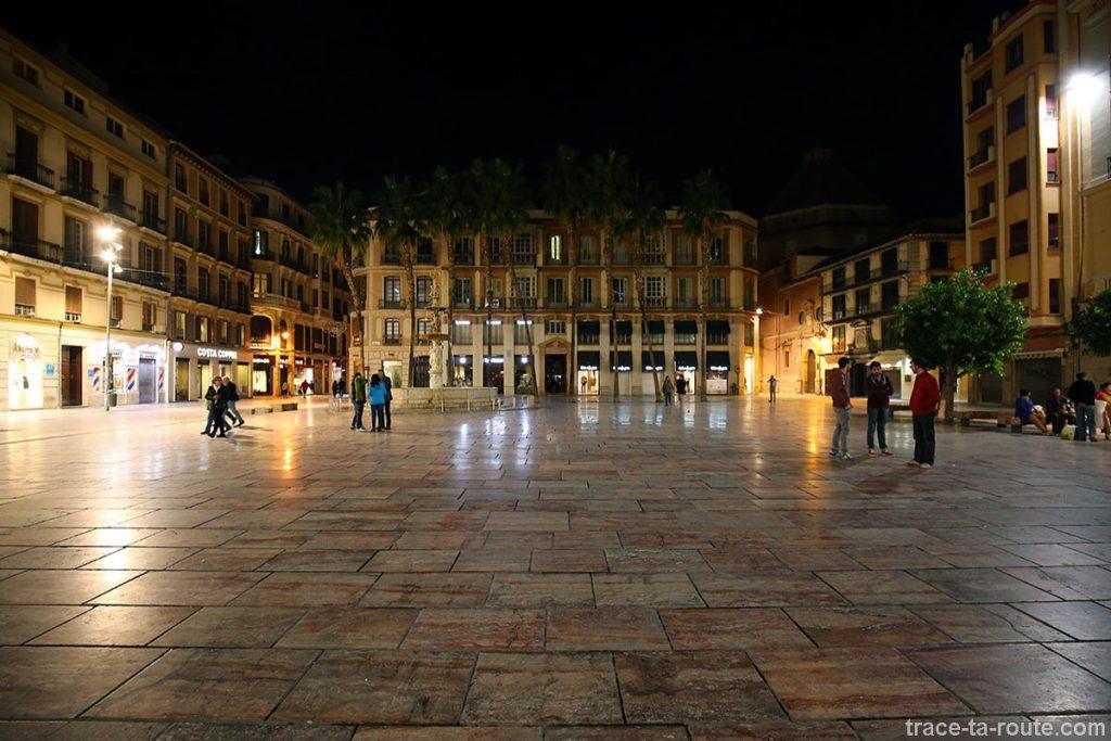 Plaza de la Constitucion, de nuit, à Malaga