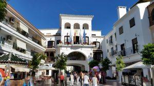 hotel de ville nerja costa del sol - blog voyage trace ta route
