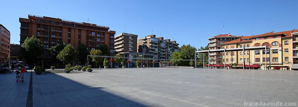 Areetako Geltokiko Plaza - Place de Las Arenas, Getxo, Bilbao