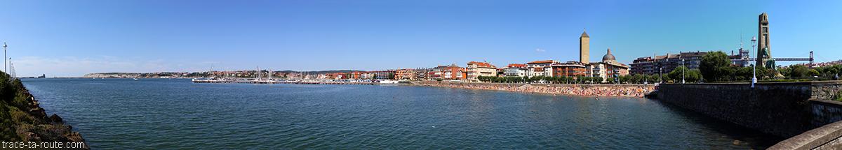 Vue panoramique de Getxo avec la plage des Las Arenas (Bilbao, Pasys Basque)