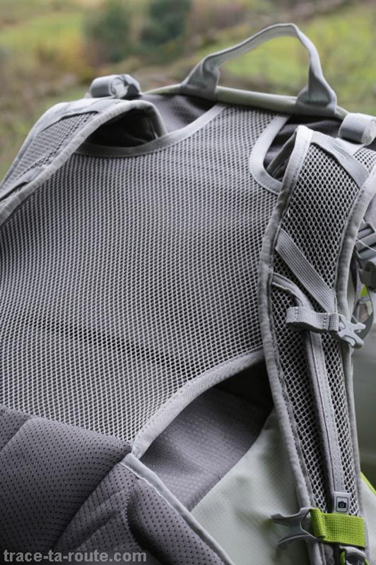 Bretelles et filet dorsal d'aération du sac à dos MANFROTTO OFFROAD 30L randonnée photo