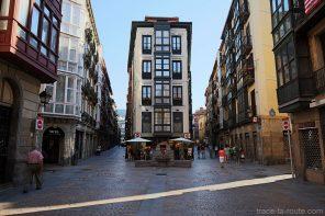 Artekale kalea et Dendarikale dans Casco Viejo de Bilbao