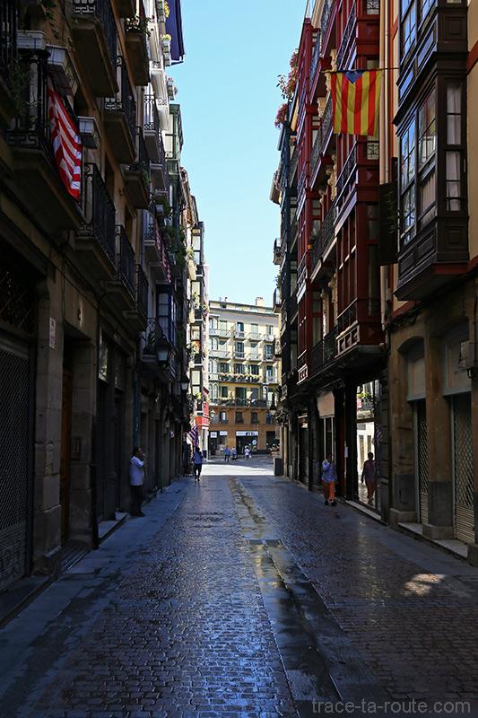 Harategi Zahar kalea dans Casco Viejo de Bilbao