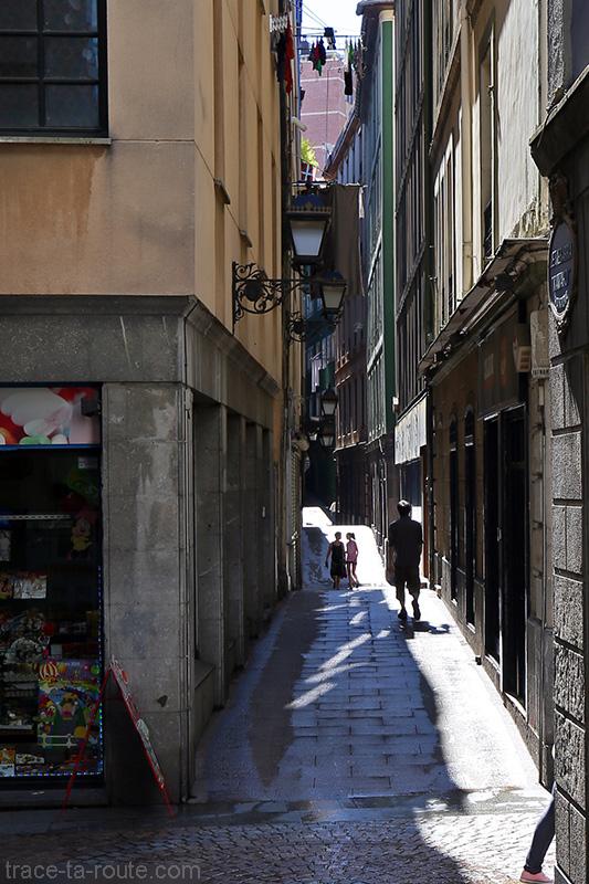Passage Julián Etxebarria Kamaroi Kantoia dans les Siete Calles dans Casco Viejo de Bilbao