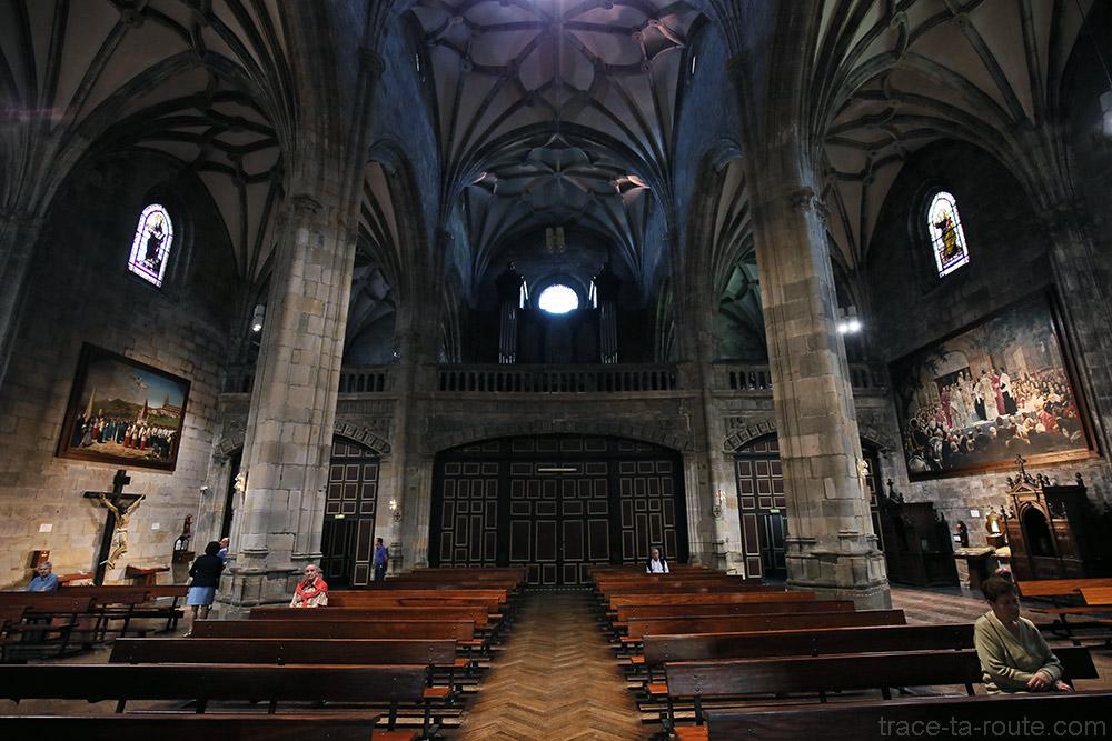L'orgue à l'intérieur de la Basilique de Begoña de Bilbao