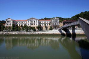 Université de Deusto, Bilbao et le pont Pedro Arrupe au-desssus du Nervion