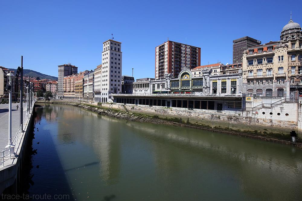 La Ria de Bilbao et la Gare La Concordia d'El Ensanche