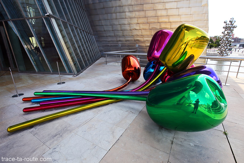 """Tulipes"" (1995) Jeff KOONS - Musée Guggenheim Bilbao"
