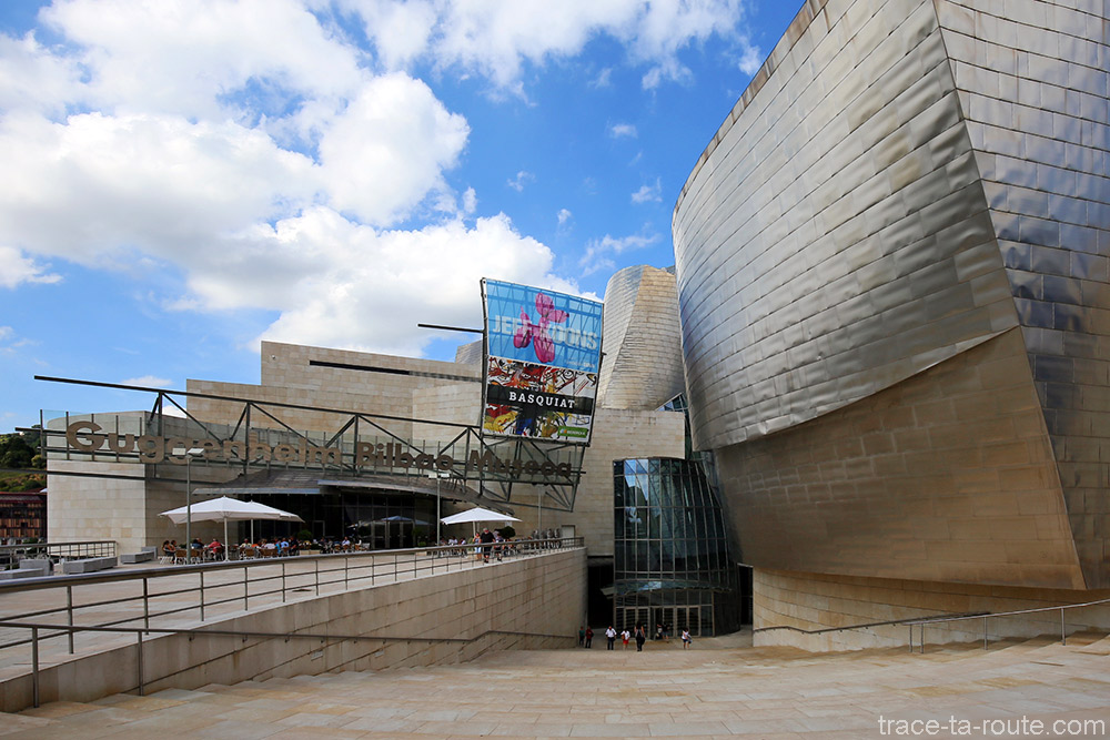 Escaliers entrée du Musée Guggenheim Bilbao