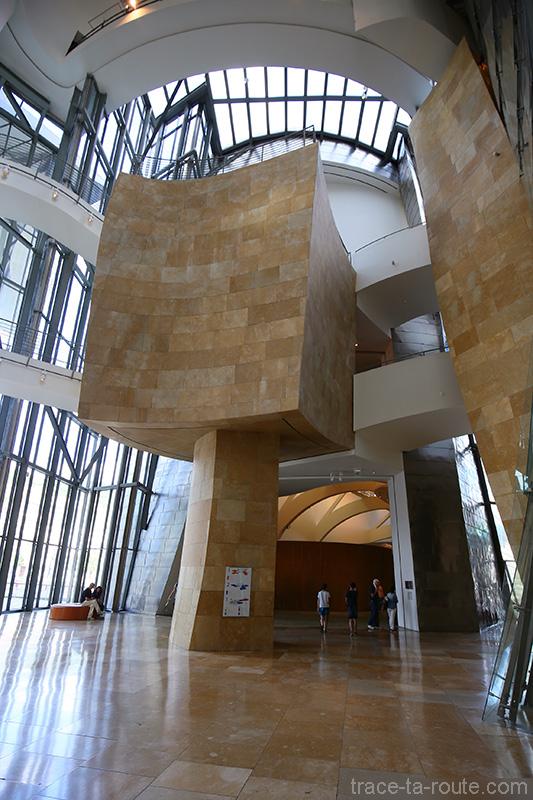Intérieur architecture Musée Guggenheim Bilbao - Atrium