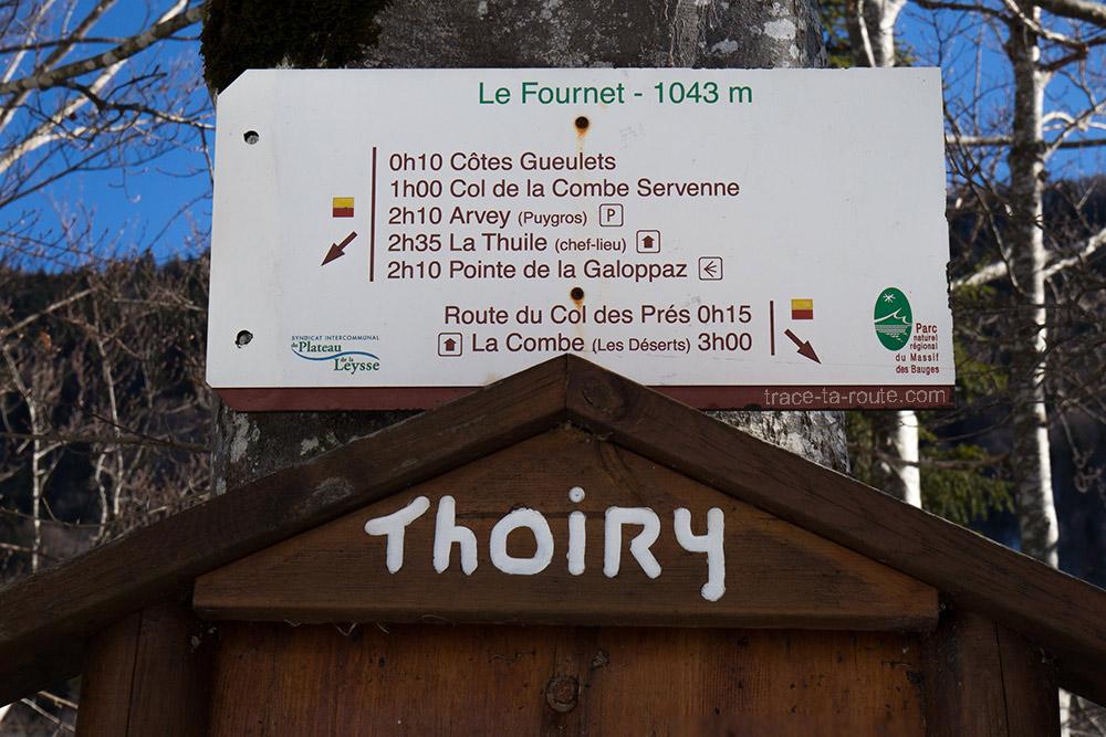 Le Fournet, sous le Col des Prés D206 - départ randonnée Pointe de la Galoppaz - Bauges