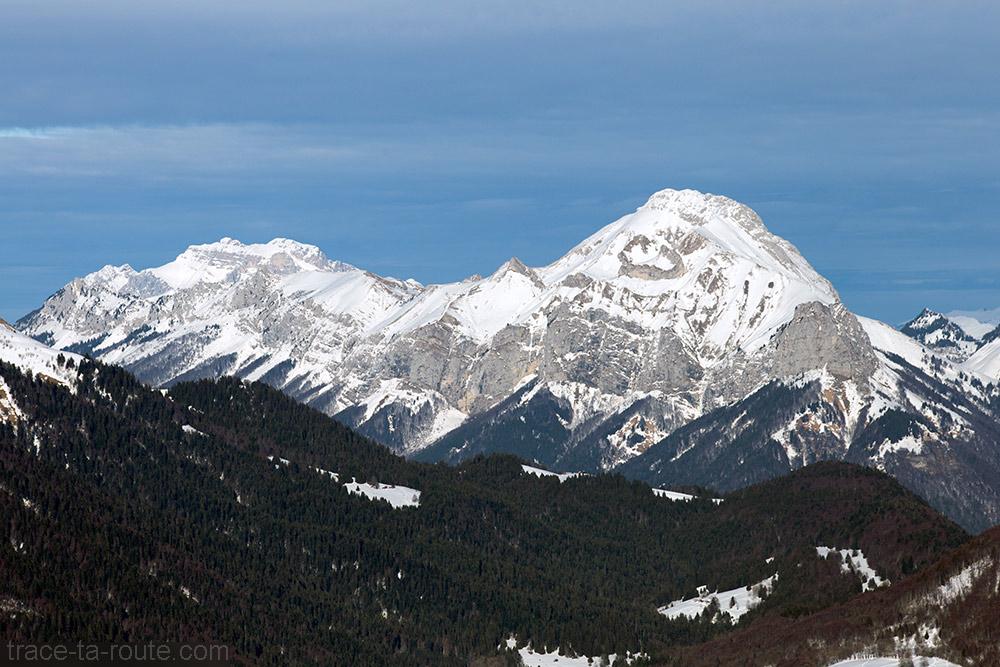 La Tournette et Mont Trélod sous la neige - Bauges hiver - Vue depuis le sommet de la Pointe de la Galoppaz
