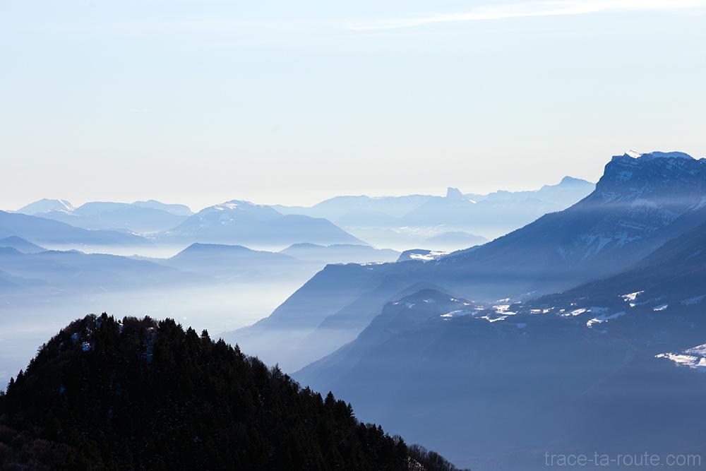 Brume d'hiver sur le Grévisaudan - Vue depuis le sommet de la Pointe de la Galoppaz - Bauges