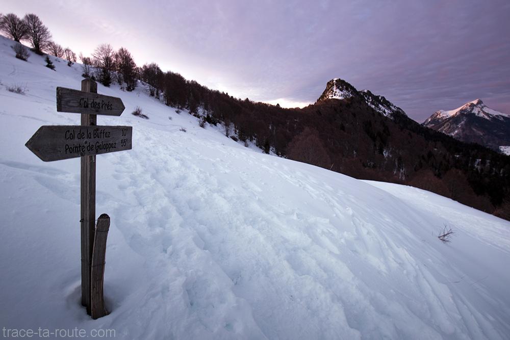 Itinéraires de randonnée au Chalet de la Buffaz vers la Pointe de la Galoppaz - Massif des Bauges sous la neige en hiver