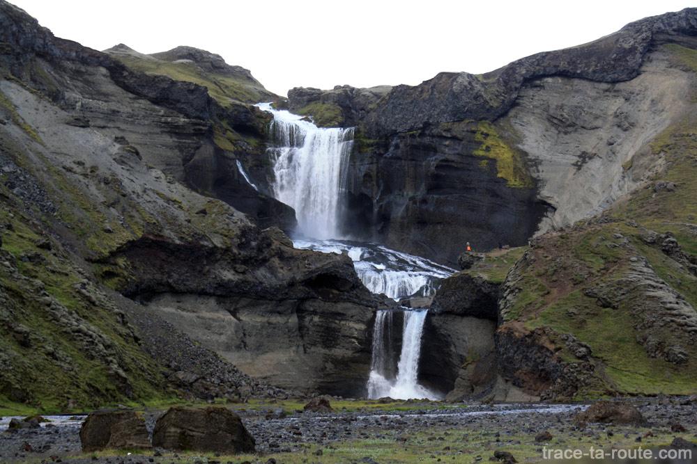 Cascade Ófærufoss à Eldgja en Islande