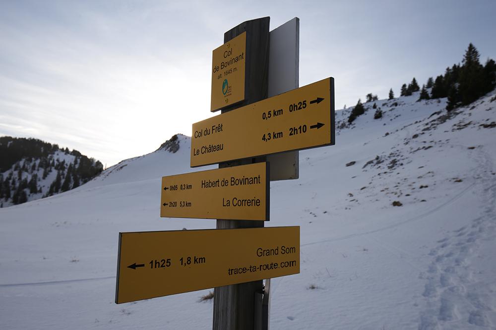 Itinéraires de randonnée depuis le Col de Bovinant sous le Grand Som dans le Massif de la Chartreuse