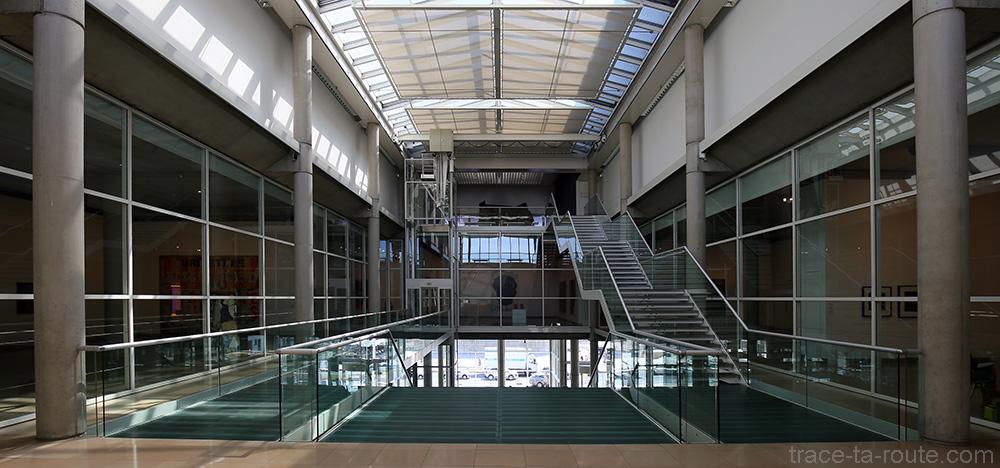 Atrium du Carré d'Art de Nîmes - Intérieur Architecture