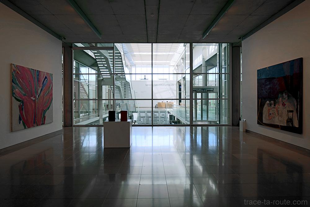 Salle de la collection permanente du musée du Carré d'Art de Nîmes - Intérieur Architecture