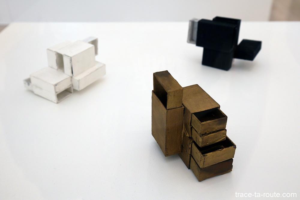 """Structures de boites d'allumettes (1964) Lygia CLARK - Exposition """"Formes biographiques"""" Carré d'Art de Nîmes"""