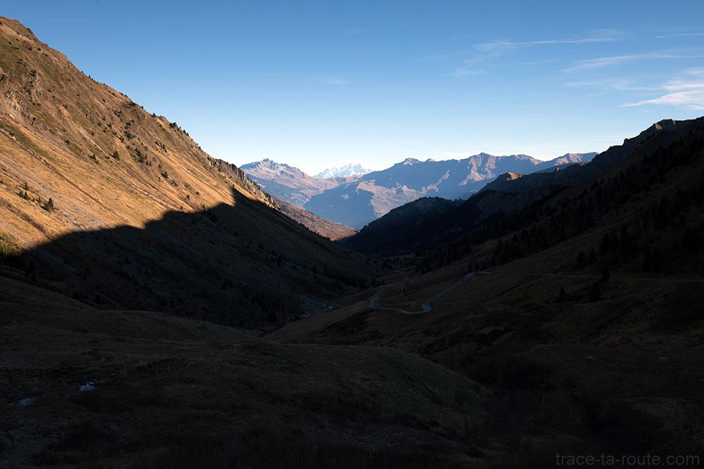 Vallée du Glandon avec le Col de la Madeleine en fond - Maurienne Savoie