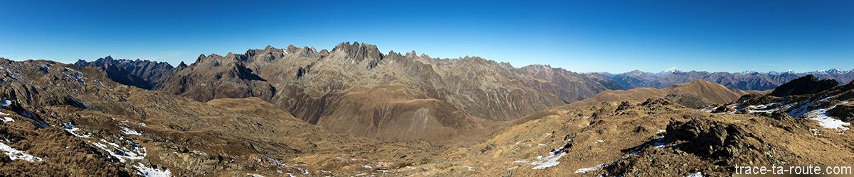 Massif d'Allevard et Chaine de Belledonne avec les Aiguilles de l'Argentière depuis le Col des Tufs (entre le Lac Bramant et le Col de la Croix de Fer) - Saint-Sorlin d'Arves Maurienne Savoie