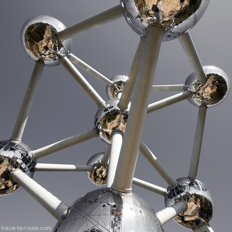 Structure des sphères de l'Atomium de Bruxelles