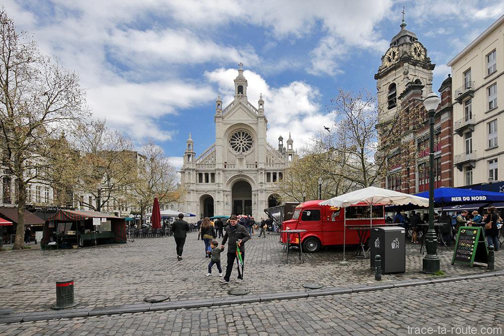 Étals sur la Place de l'Église Sainte-Catherine de Bruxelles