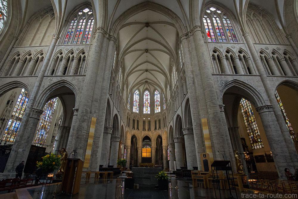 Croisée du transept et Choeur de l'Église des Saints-Michel et Gudule de Bruxelles
