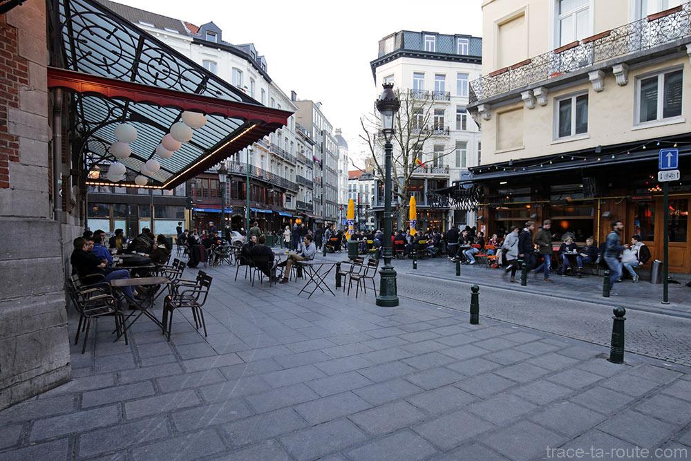 Terrasses de bars sur la Place St-Géry de Bruxelles
