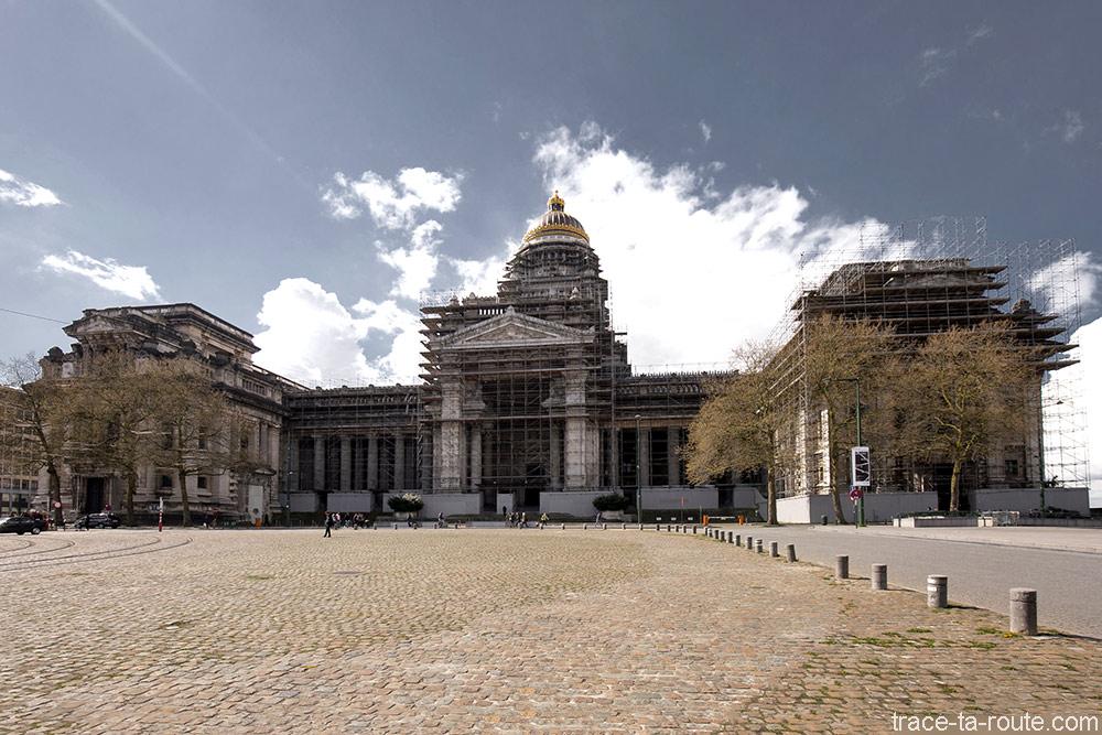 Palais de Justice de Bruxelles sur la Place Poalaert