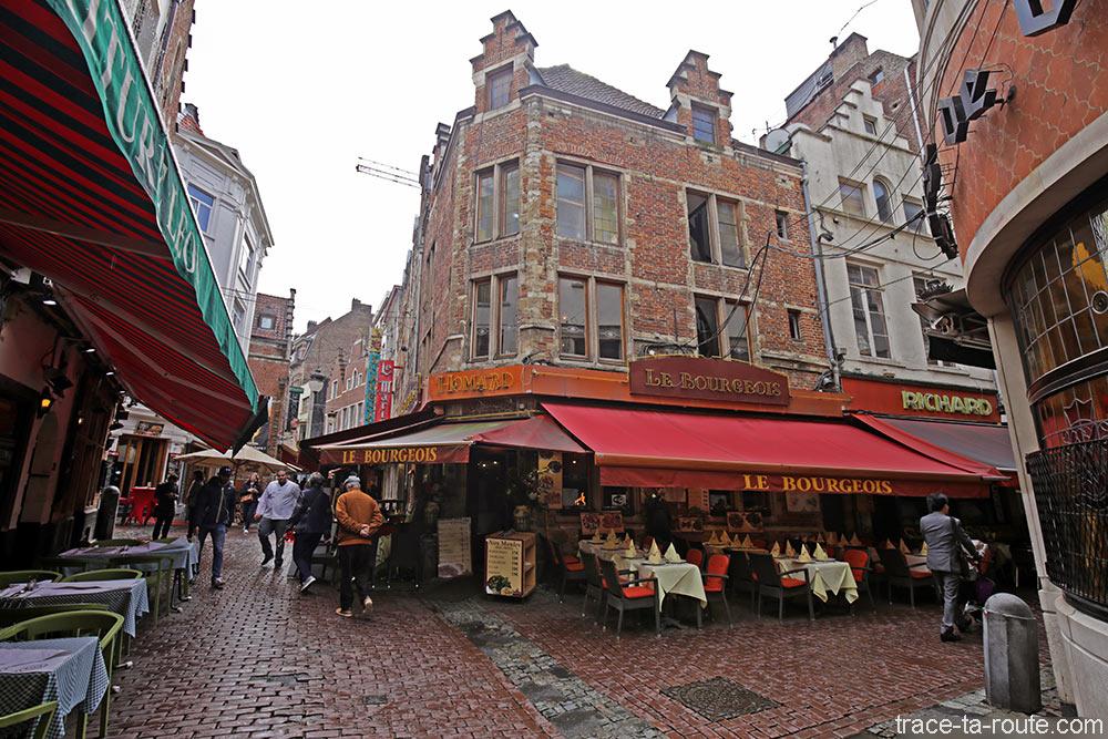 Quartier des restaurants à Bruxelles : Rue des Bouchers et Rue de la Fourche