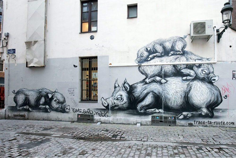 Graffiti Fresque Street Art Roa Cochons - Rue de la Chaufferette à Bruxelles