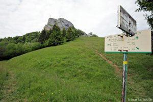 Sentier de randonnée à la Croix du Nivolet par le Pas de l'Échelle depuis Lovettaz