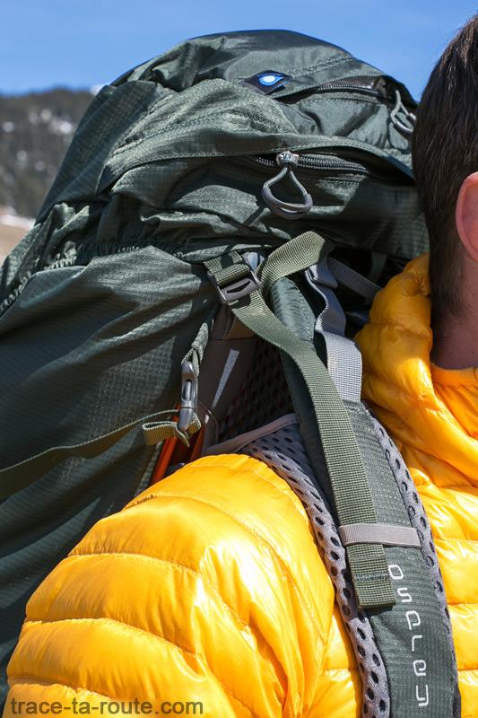 Test du sac à dos Osprey Atmos AG 65 : bretelles et poches supérieures