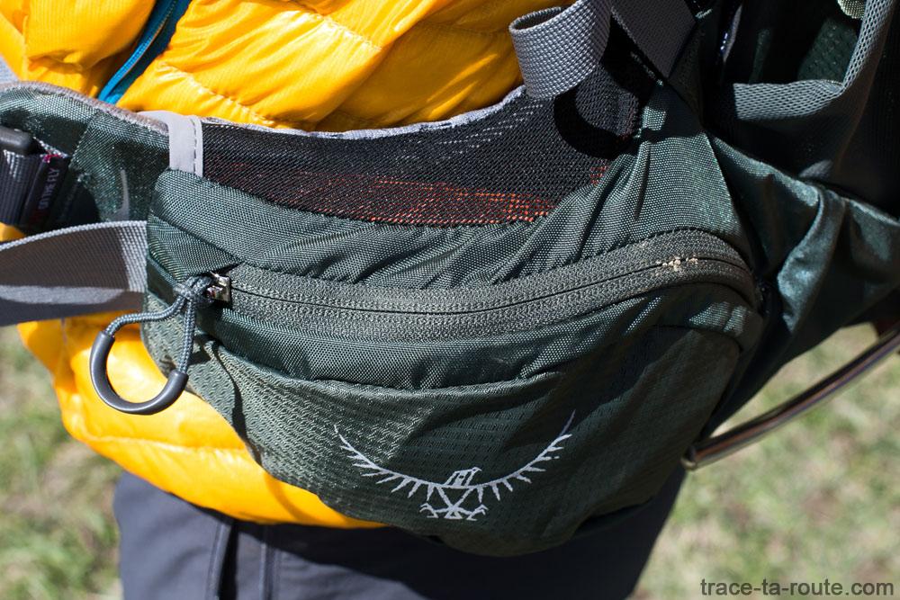 Test du sac à dos Osprey Atmos AG 65 : ceinture avec poche et filet d'aération