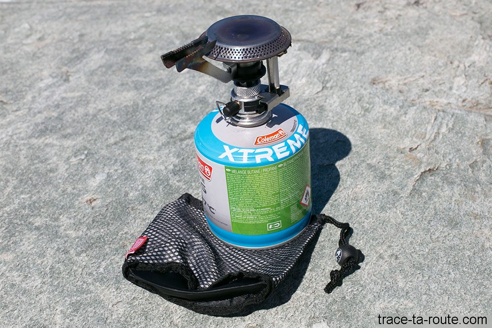 Réchaud Coleman F1 POWER PZ et sa housse de rangement avec la cartouche de gaz XTreme Gas