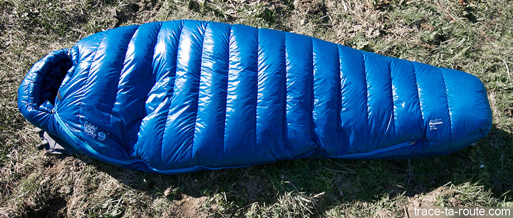 Le sac de couchage PHANTOM TORCH 3° de Mountain Hardware (forme sarcophage)
