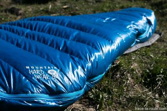 Le sac de couchage PHANTOM TORCH 3° de Mountain Hardware (forme sarcophage)