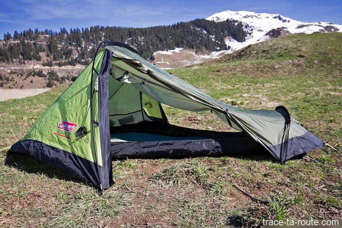 Double ouverture latérale de la tente Aravis 2 Coleman