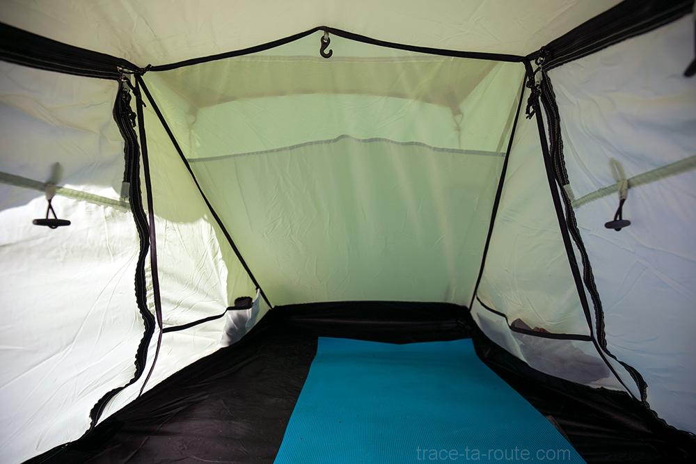Espace intérieur de la tente Aravis 2 Coleman