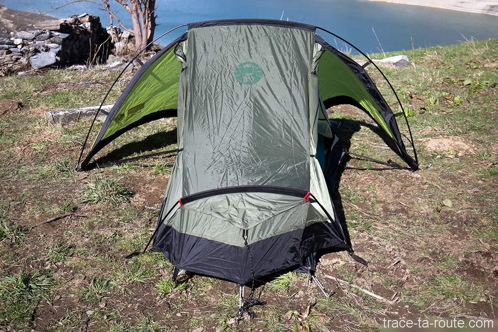 Double ouverture latérale et absides de la tente Aravis 2 Coleman