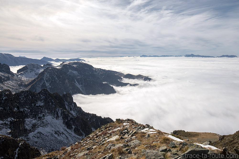 Mer de nuage au-dessus de Grenoble depuis le Grand Colon en Belledonne