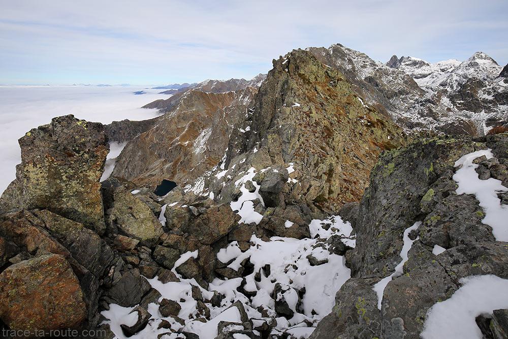 Lac du Crozet et Grand Pic de Belledonne depuis la Pointe au sommet du Grand Colon