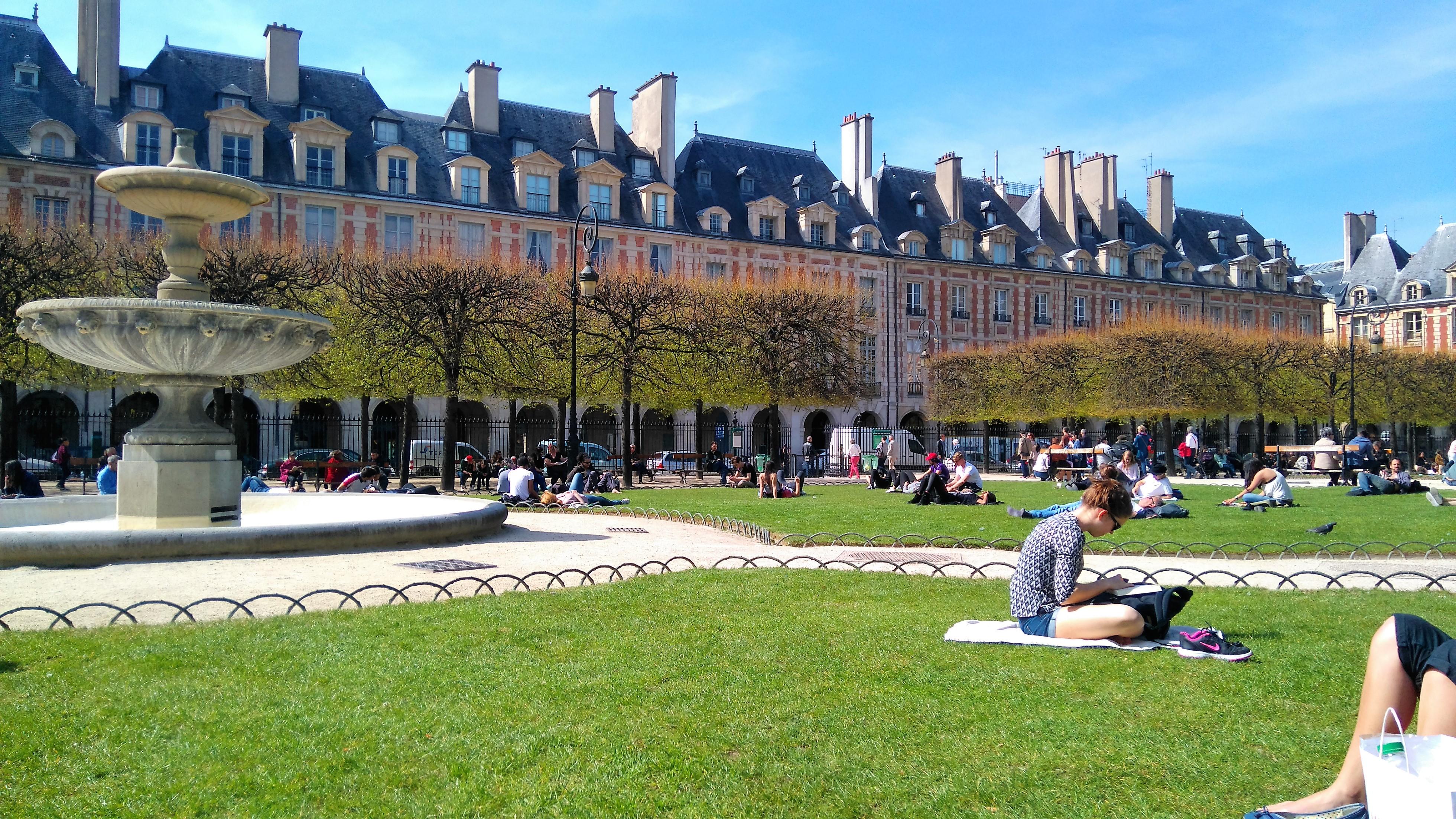 Paris-place-des-vosges-blog-voyage