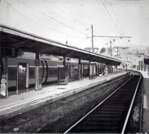 Peinture de la voie ferrée et des quais de la gare d'Annecy © L'Oeil d'Édouard