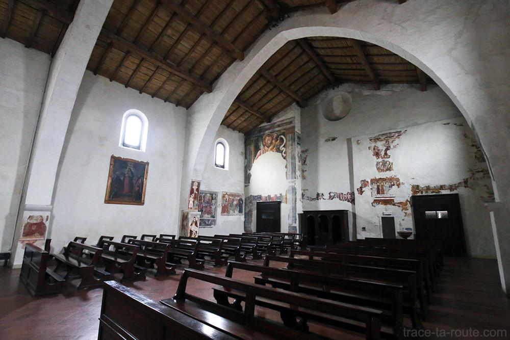 Intérieur Eglise San Michele al Pozzo Bianco de Bergame (Città Altà Bergamo)