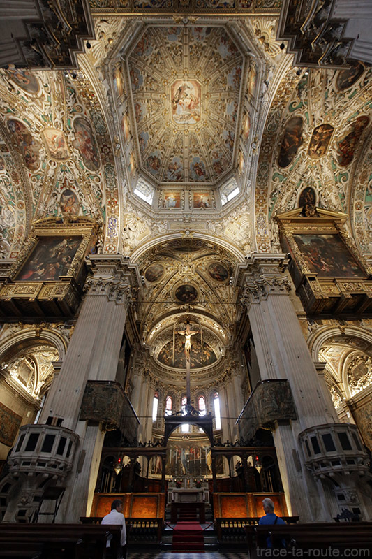 Plafond décoré Voute transept intérieur de la Basilique Santa Maria Maggiore de Bergame Italie - Città Altà Bergamo Italia Italy church
